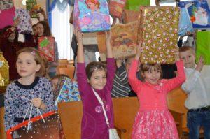 Миколай завітав до дітей